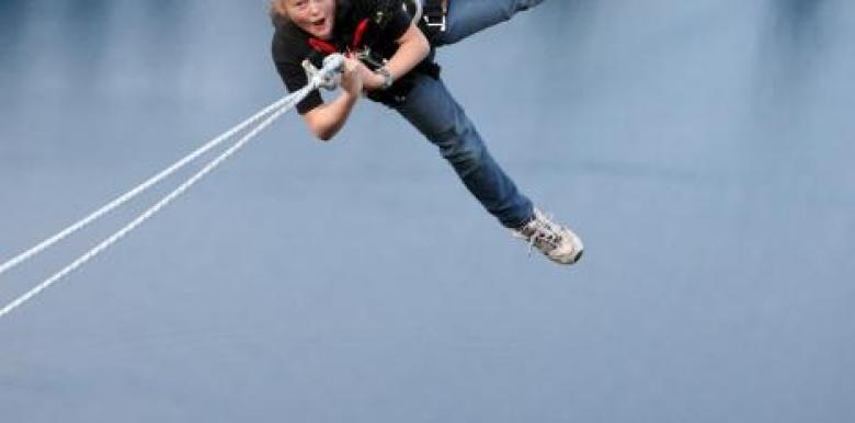 AJ Hackett Bungy: Ledge Swing Queenstown