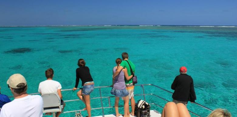 Coral Bay Charters and Glass Bottom Boat: Coral Bay Nature Tour