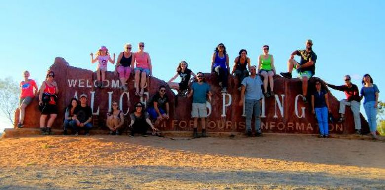 Emu Run: Alice Springs Backpacker Uluru Camping Tour Package